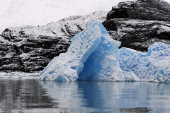 Blue ice floe Royalty Free Stock Photography