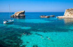 Blue lagoon at Comino - Malta Royalty Free Stock Photography
