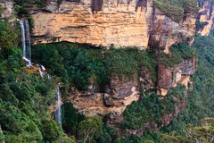 Blue Mountains Waterfall. Waterfall over cliff formation in the Blue Mountains, New South Wales, Australia Royalty Free Stock Photos