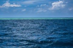 Blue ocean background, water line horizon Royalty Free Stock Photos