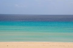 Blue ocean and beach Royalty Free Stock Photography