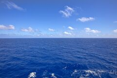 Free Blue Ocean Water Horizon Royalty Free Stock Image - 175031146
