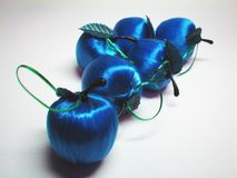 blue satin jabłka Zdjęcie Royalty Free