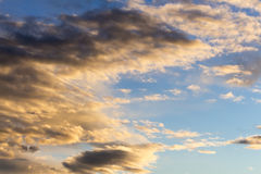 Blue skies and high cirrus clouds Royalty Free Stock Photos