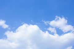 Free Blue Sky Royalty Free Stock Photography - 13941407