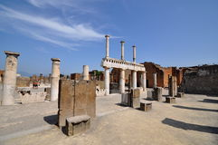 Blue sky and the acient Roman ruins of Pompeii. Royalty Free Stock Photos
