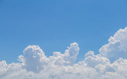 Blue sky background. With clouds Royalty Free Stock Photos