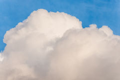 Blue sky with big cloud Royalty Free Stock Photos