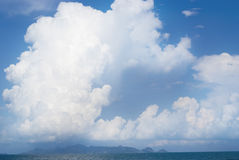 Blue sky and big clouds Royalty Free Stock Photography
