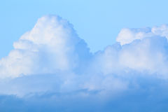 Blue sky with clouds (Cumulus clouds) Royalty Free Stock Photography