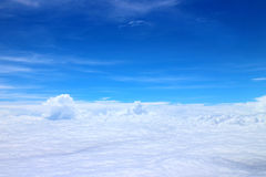 Blue sky with flat cloud. S Royalty Free Stock Photo