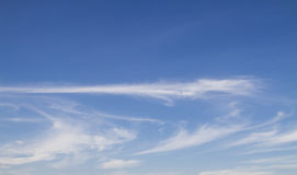 Blue sky with line clouds Royalty Free Stock Photography