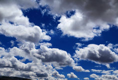 Blue sky with peacefull cotton clouds in Qinghai Tibet Plateau Royalty Free Stock Photography