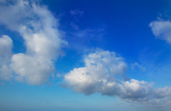 Blue sky with perfec cumulus clouds Stock Images
