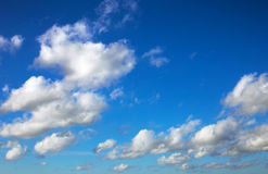 Blue sky with tiny clouds Royalty Free Stock Photography