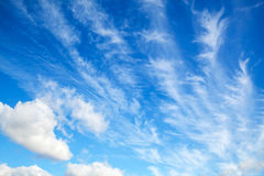 Blue sky with white altocumulus clouds layer Royalty Free Stock Photos