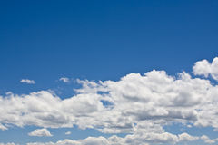 Blue sky & white clouds Royalty Free Stock Photography