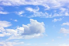 Blue sky with a white cumulus clouds Royalty Free Stock Photography