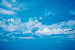 Free Blue Sky With Clouds Royalty Free Stock Images - 9862149