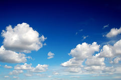 Free Blue Sky With White Clouds Royalty Free Stock Photos - 4277758