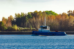 Blue small tug Royalty Free Stock Photography
