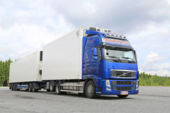 Blue Volvo FH Temperature Controlled Truck Royalty Free Stock Images