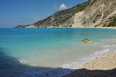 Blue water of beautiful Myrtos beach, Kefalonia Royalty Free Stock Photos