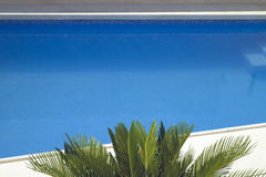 Blue water of swimming pool Royalty Free Stock Photos