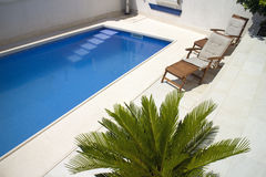 Blue water of swimming pool Royalty Free Stock Photography