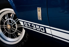 Blue and White Ford Mustang Shelby G.T.350 Royalty Free Stock Photos
