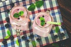 Blueberrie smoothie w rocznika stylu Obrazy Royalty Free