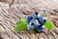 Blueberries with leaves Royalty Free Stock Images