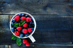 Blueberries and raspberries Royalty Free Stock Photography