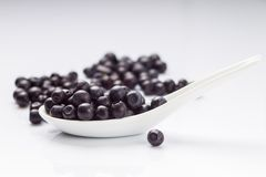 Blueberry in ceramic spoon Royalty Free Stock Photos