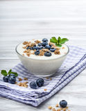 Blueberry yoghurt with muesli Royalty Free Stock Photos