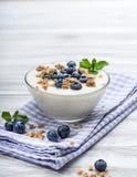 Blueberry yoghurt with muesli Royalty Free Stock Photos