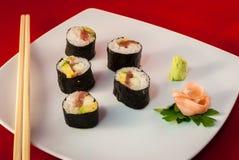Bluefin Tuna Fish Maki del sushi con los palillos Imágenes de archivo libres de regalías