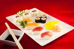 Bluefin Tuna Fish Varied del sushi con los palillos Foto de archivo