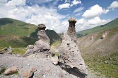 bluen clouds naturlig riden ut rockssky två Arkivfoto