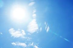 bluen clouds skysunen Royaltyfria Bilder