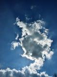 bluen clouds skywhite Arkivbilder
