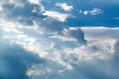 bluen clouds skywhite 1 bakgrund clouds den molniga skyen Fotografering för Bildbyråer