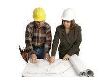 blueprints просмотрение инженера congractor стоковая фотография rf