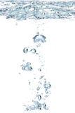 blues pęcherzyków powietrza wody. Obrazy Stock