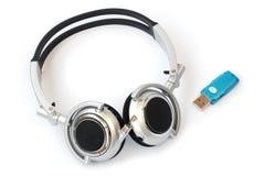 bluetoothhörlurar med mikrofonwhite Arkivfoto