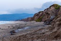 Bluffarna av Half Moon Bayen, CA Fotografering för Bildbyråer