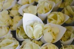 Blume in der Hochzeitseinstellung Stockfoto