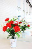 Blume mit der Reflexion Innen Stockfoto