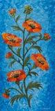 Blume mit orange Blüten und blauem Hintergrund lizenzfreie abbildung