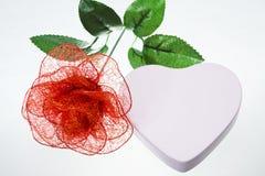 Blume und Geschenkbox Lizenzfreies Stockfoto
